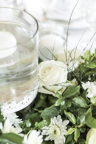 centre pieces wedding floral creations 15