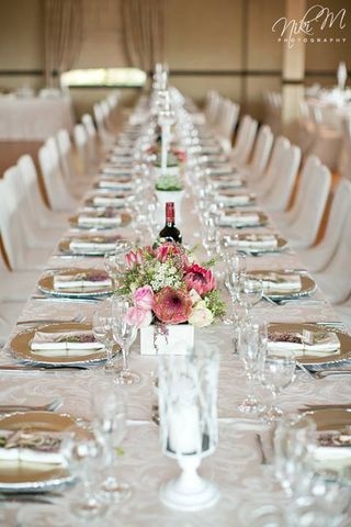 banquet style wedding decor and flowers 001